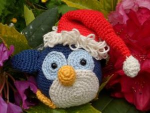 holiday-penguin-stuffie
